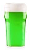 Birra verde isolata su un bianco Fotografia Stock