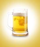 Birra in vetro immagini stock
