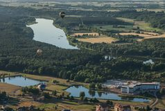 Birstonas - ein beliebtes Erholungsort in Litauen, Festival von Heißluftballonen lizenzfreies stockfoto