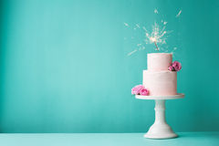 Birthday cake. With roses and sparkler Royalty Free Stock Photos