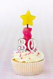 birthday cupcake thirtieth Στοκ φωτογραφίες με δικαίωμα ελεύθερης χρήσης