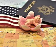 Birtright της αμερικανικής υπηκοότητας μέσω της γέννησης από το άρθρο 14 αμερικανικών συνταγμάτων στοκ φωτογραφία με δικαίωμα ελεύθερης χρήσης