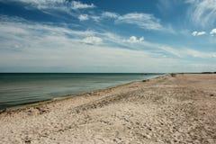 Biruchiy海岛海滨 免版税库存照片