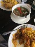 Biryani avec la soupe à viande Photographie stock