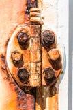 Bisagra de puerta oxidada Imágenes de archivo libres de regalías