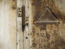 Bisagra oxidada vieja Fotos de archivo