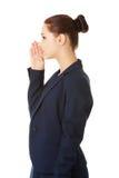 Bisbolhetice de fala da mulher de negócios Fotos de Stock Royalty Free