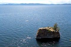 Bischof Rock Island mit Adirondacks Lizenzfreies Stockfoto