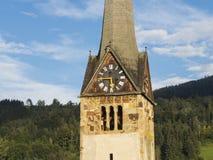 Bischofshofen, Pongau, Salzburger ziemia, Austria, typowy Austriacki dzwonkowy wierza fotografia stock