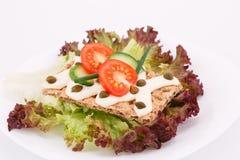 Biscoito com legumes frescos e creme Foto de Stock