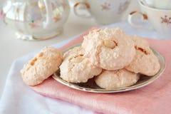 Biscoitos com coco e amêndoa foto de stock royalty free