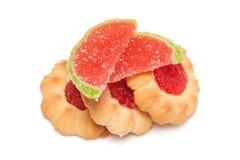 Biscoitos com fatias do atolamento e do doce de fruta Imagem de Stock Royalty Free