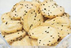 Biscoitos com sésamo Fotografia de Stock Royalty Free