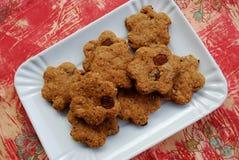 Biscoitos da canela com passas Fotos de Stock