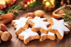 Biscoitos da canela do Xmas Fotografia de Stock