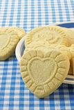Biscoitos dados forma coração do biscoito amanteigado Fotografia de Stock