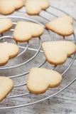 Biscoitos de açúcar dados forma coração Fotografia de Stock Royalty Free