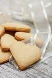 Biscoitos de açúcar dados forma coração Imagens de Stock
