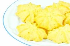 Biscoitos de manteiga do leite no prato branco Foto de Stock Royalty Free