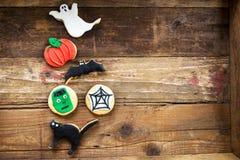 Biscoitos deliciosos caseiros do pão-de-espécie para Dia das Bruxas Imagens de Stock