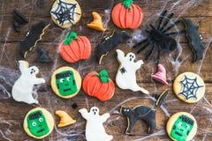 Biscoitos deliciosos caseiros do pão-de-espécie para Dia das Bruxas Fotografia de Stock