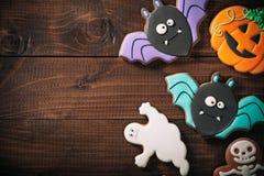 Biscoitos deliciosos engraçados do gengibre para Dia das Bruxas fotografia de stock