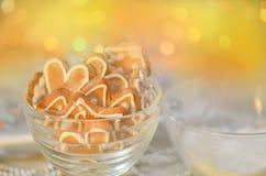 Biscoitos do dia do ` s do Valentim Cookie dada forma coração do Valentim imagens de stock royalty free