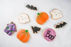 Biscoitos do pão-de-espécie de Dia das Bruxas fotos de stock