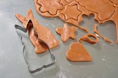 Biscoitos do pão-de-espécie do cozimento Fotos de Stock Royalty Free