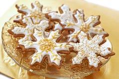 Biscoitos do pão-de-espécie do floco de neve Fotografia de Stock