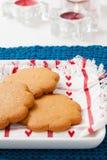 Biscoitos do pão-de-espécie na placa Imagem de Stock