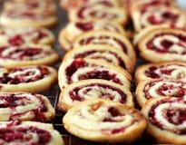 Biscoitos do redemoinho da porca da airela Fotografia de Stock