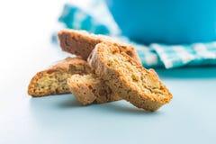 Biscoitos doces do cantuccini Biscotti italiano fotos de stock