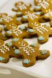 Biscoitos dos homens de pão-de-espécie fotografia de stock royalty free