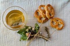 Biscoitos e chá fotografia de stock