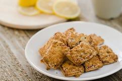 Biscoitos e limão Imagens de Stock