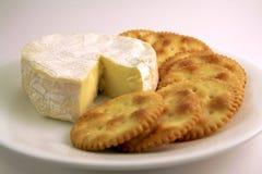 Biscoitos e queijo Foto de Stock Royalty Free