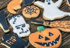 Biscoitos feitos a mão de Dia das Bruxas Fotografia de Stock Royalty Free