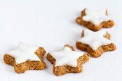 Biscoitos Star-shaped da canela foto de stock