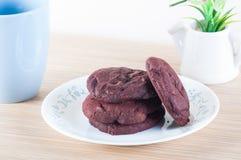 Biscoitos vermelhos de veludo Imagem de Stock Royalty Free