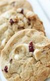 Biscotti bianchi del bello pezzo del cioccolato Immagini Stock Libere da Diritti