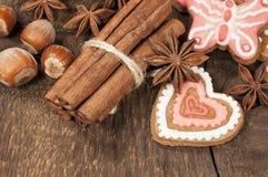 Biscotti casalinghi del miele con le spezie Fotografie Stock