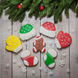 Biscotti casalinghi del pan di zenzero di Natale sulla tavola, nuovo anno Fotografia Stock