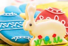 Biscotti casalinghi del pan di zenzero di Pasqua Fotografia Stock Libera da Diritti