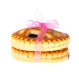 Biscotti con Cherry Jam Isolated su bianco Fotografia Stock Libera da Diritti