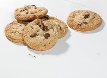 Biscotti con i bei pezzi del cioccolato Immagine Stock