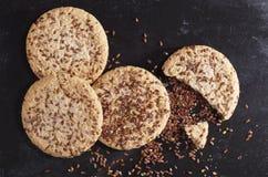 Biscotti con i semi di lino Immagini Stock
