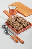 Biscotti con le gocce di cioccolato Immagini Stock Libere da Diritti