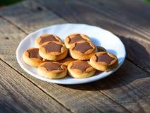 Biscotti con le stelle del cioccolato Immagini Stock Libere da Diritti