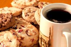 Biscotti con una tazza di caffè Fotografia Stock